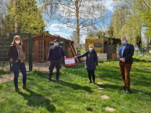 Abgeordnete untestützt Tierheim Köthen